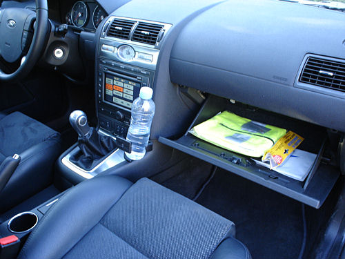 2005 ford mondeo 16